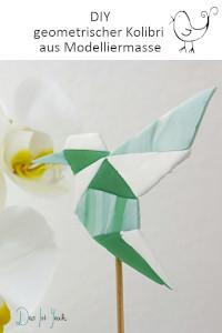 geometrischer Kolibri aus Fimo, Pflanzenstecker selbstmachen
