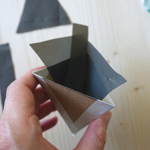Wandblumentopf, wie wird die Folie festgemacht