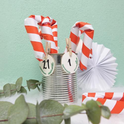 Adventskalender aus Papier basteln, Zuckerstangen aus Papier selbermachen