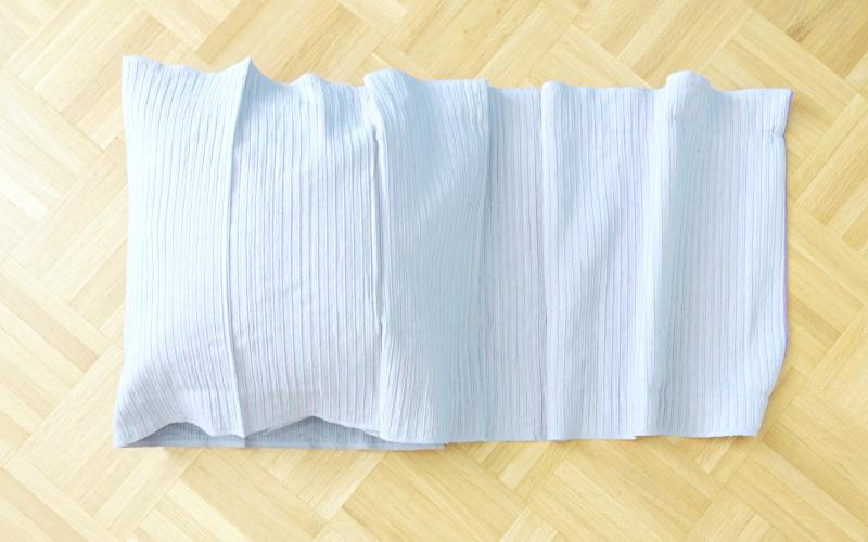 Kissenhülle nähen einfach aus einem tischläufer nähen, falten