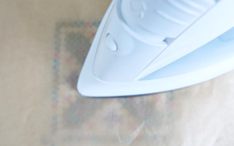 buegeln des fertig gelegten Bügelperlenbildes