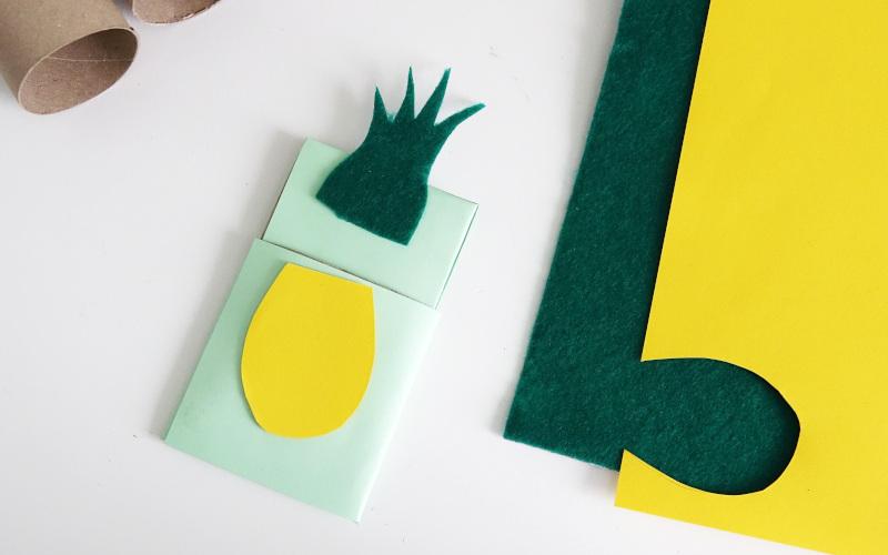Klopapierrollen upcycling: Ananas aus Filz ausschneiden