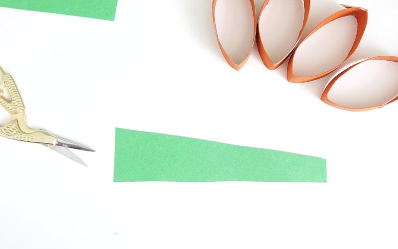 Tonpapier in dreieck schneiden