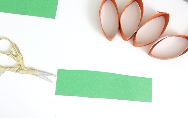 Tonpapier zurechtschneiden