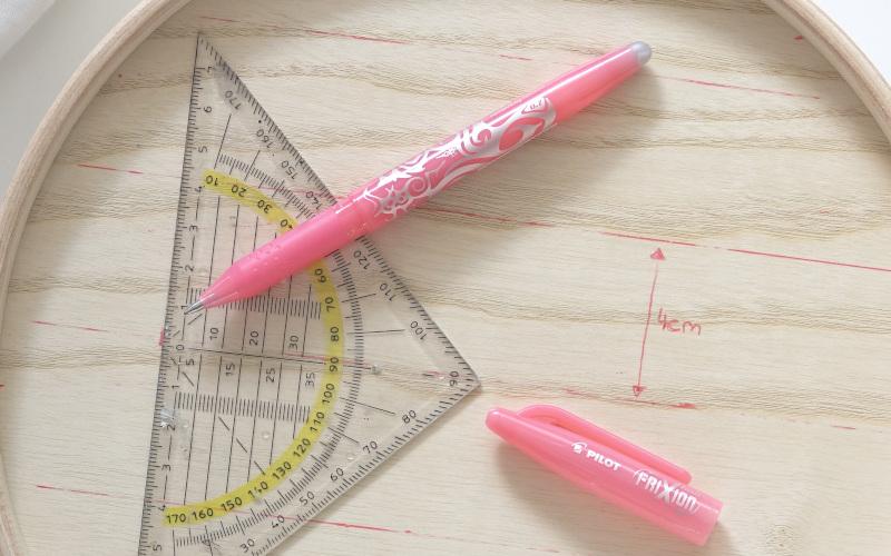 IKEA HACK Mallgroda Dose bemalen, Gitternetz mit FriXion Pen vorzeichnen